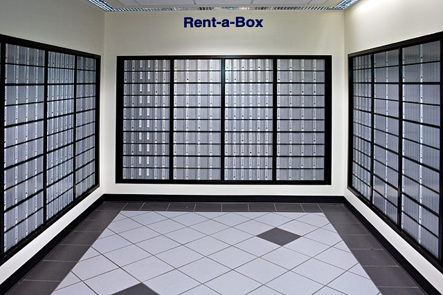 640px-USPS_Post_office_boxes_2